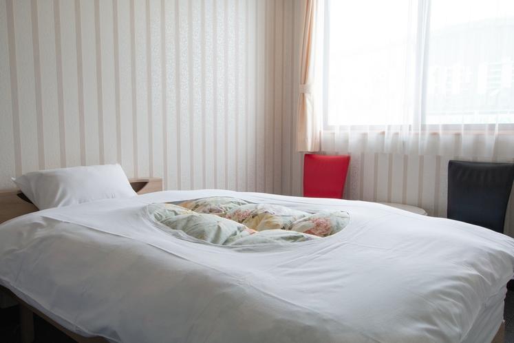 【洋室】ビジネスにもおすすめ♪シンプルなお部屋です。