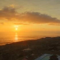 ホテル屋上から見た朝日