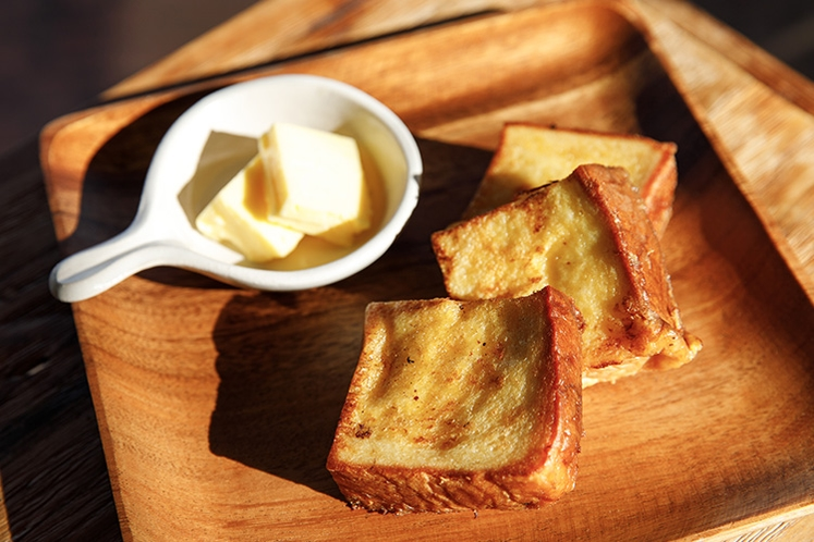 【朝食】自慢のジャージーバターフレンチトースト