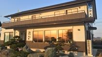*外観/三陸復興国立公園の最南端・岩井崎が目の前!お部屋からも美しい水平線を一望できます。