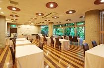 緑溢れるレストラン
