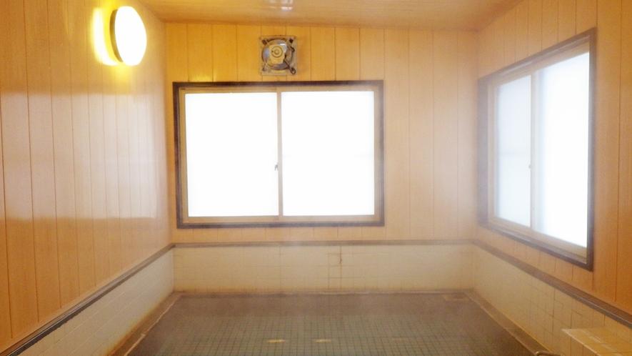 *大浴場一例/加水・加温なしの源泉かけ流し温泉を、24時間いつでもご堪能ください。