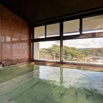 *【3階展望風呂】天然温泉を満喫!ゆったりした時間をお過ごしください。