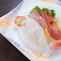 *【夕食一例】お刺身は新鮮な海の恵みを存分に味わえます!