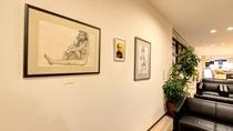 *【ロビー】館内には象潟出身の版画家・池田修三さんの作品を展示しております。