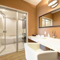 *【スイートルーム】洗面台も広々♪快適にご利用いただけます。