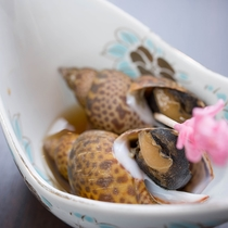 *【夕食一例】魚や貝はその時期の旬のものをお出ししています。