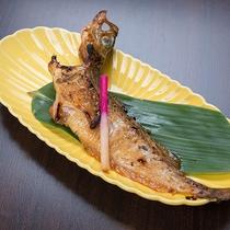 *【夕食一例】焼魚はそれぞれの素材の味が引き立つように調理しています。