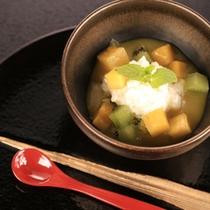 【デザート/夕食一例】和と洋の融合をコンセプトに仕上げた水物