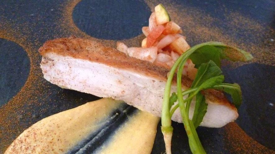 *【料理一例】鯛のポワレ
