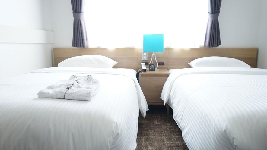 【ツインルーム】ベッド幅110センチ、無線LAN接続完備です<全室禁煙>
