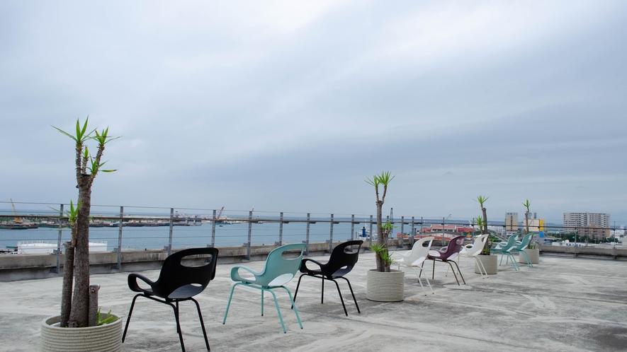【ルーフトップ】屋上からの眺め。離島ターミナルも歩いてすぐです。