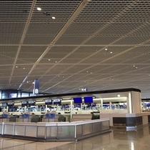 成田空港 ロビー