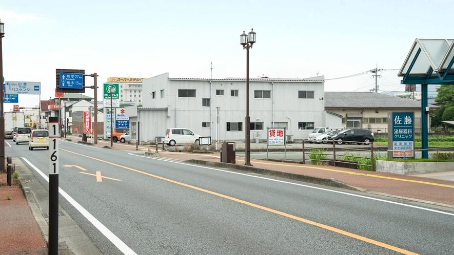 *【第2駐車場】第2駐車場の前の大通りは広いので駐車しやすくなっております。