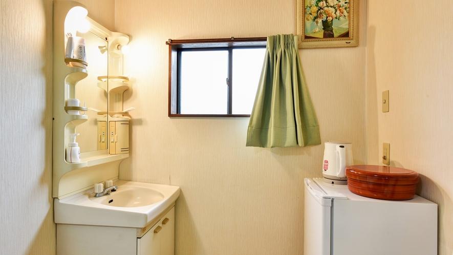 *【ツインルーム】洗面所は広々としております♪