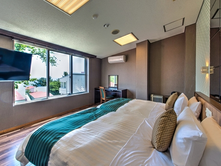 【半露天風呂付き客室】スイート-シモンズ製ベッド-【喫煙可】