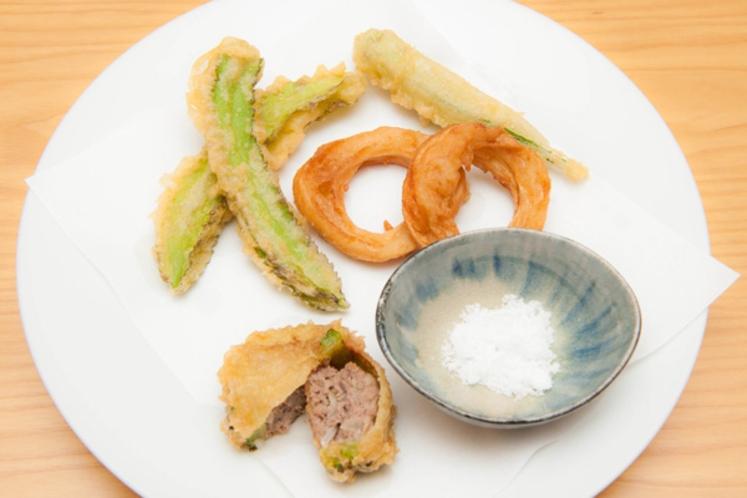 天ぷら(島野菜とゴーヤの肉詰め、麩)