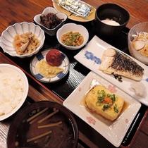 *【ご朝食一例】和定食をお食事処にてご用意いたします