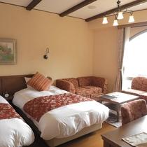 富士山に一番近いお部屋です。ビューバスからの眺望も楽しめる4ベッドのお部屋です。