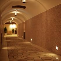 「星のしずく」棟と「月のしずく」棟を結ぶ渡り廊下。