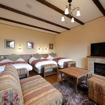 ベッド3台が横並びとなった当館で唯一の客室。ご家族、ご友人でご利用ください♪