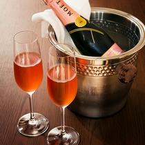 ≪ルームサービス≫客室専用のお飲み物も豊富にご用意しております。