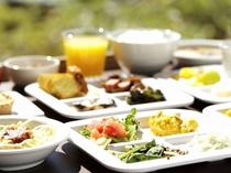 「ほうとう」や「かっぱ飯」など山梨ならではの料理も。バリエーションに富んだデザートは女性に大人気☆
