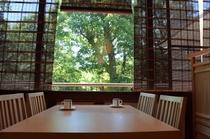 レストラン夕食/1Fレストラン 18:00~20:00 朝食/1Fレストラン 7:30~9:00