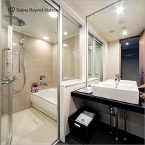 バストイレがセパレートタイプのお部屋もございます。