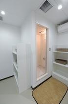 宿泊棟2F シャワー室