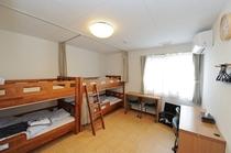 宿泊棟2F 洋室 二段ベット