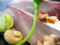 豆とサザエと地魚