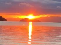 竹生島の朝日