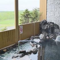 *露天風呂一例/武佐岳など、雄大な山並みを眺めながら、天然温泉を堪能!