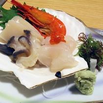 *夕食一例/「炉ばた開陽台」では北海道産の新鮮な魚貝類をお楽しみいただけます。