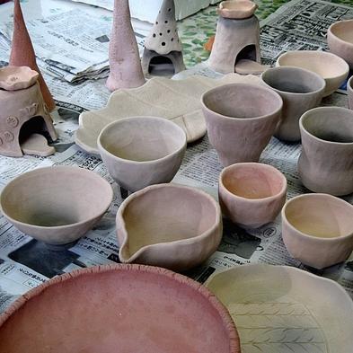 ■併設の陶芸工房「ときのあかり」で陶芸体験&創作フレンチフルコースディナーを楽しむ。