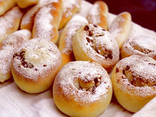 朝の自家製パン