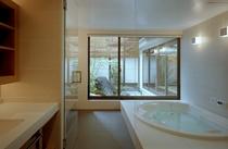 お庭バスルーム