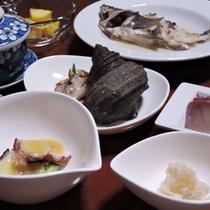 *【夕食一例】瀬戸内の魚介類を中心に素材の味を活かした料理をご賞味下さい