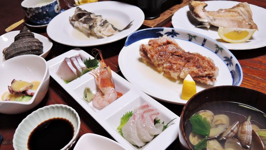*【夕食一例】地元「大島」の漁師から仕入れた天然の海の幸を使った会席料理
