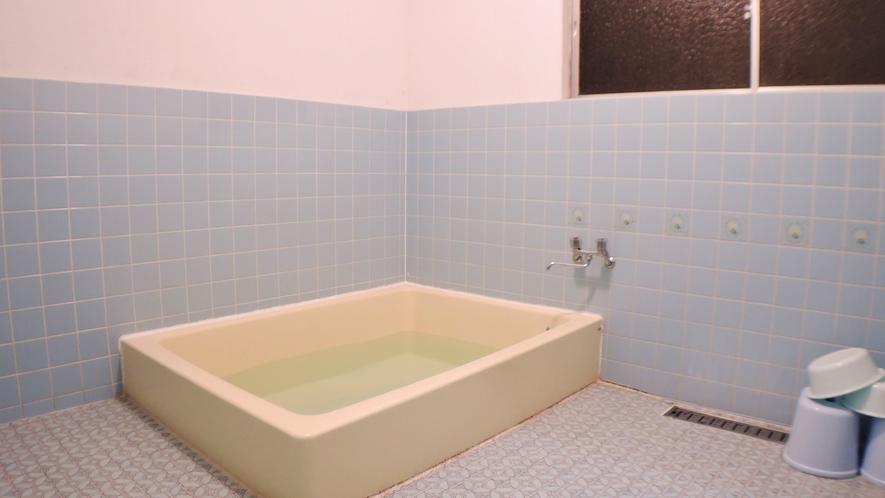 *【お風呂一例】中浴場(4名)と小浴場(2名)がございます。