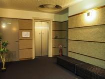 【エレベーターホール】地下