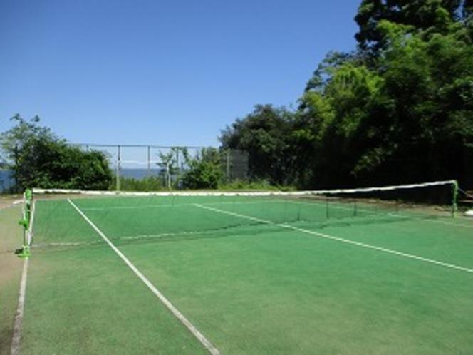 テニスコート兼フットサル場