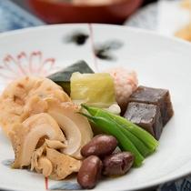 *【ご夕食】『創作いなか料理』の一例でございます。