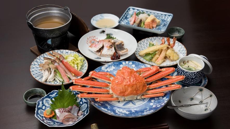 *【ご夕食】素材の味をそのままいただく姿盛りから、〆のカニ雑炊までご堪能いただけます。