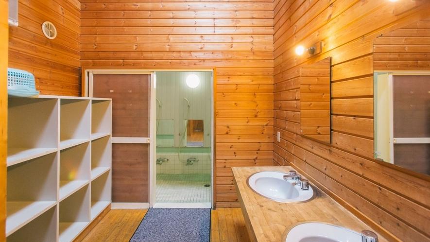 共同風呂(脱衣場)