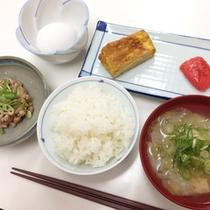 *<朝食一例>手作りの和定食で朝からほっこりします。