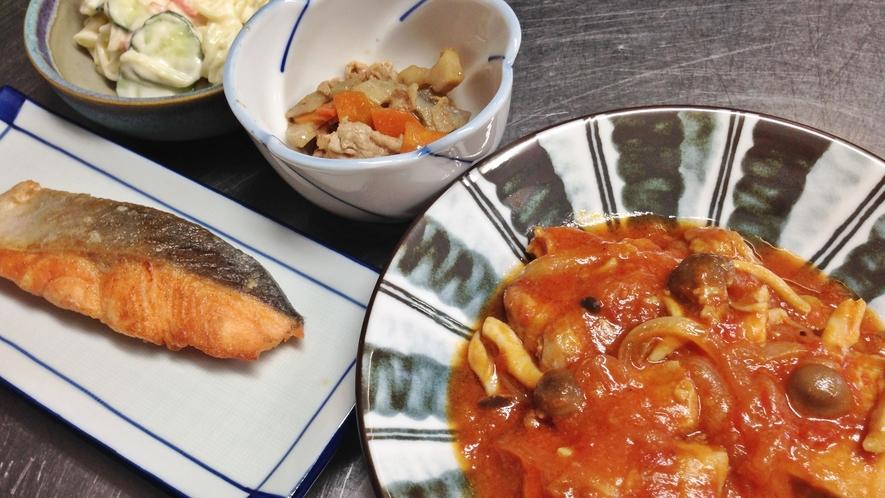 *<夕食一例>お食事は食堂でのご用意です。