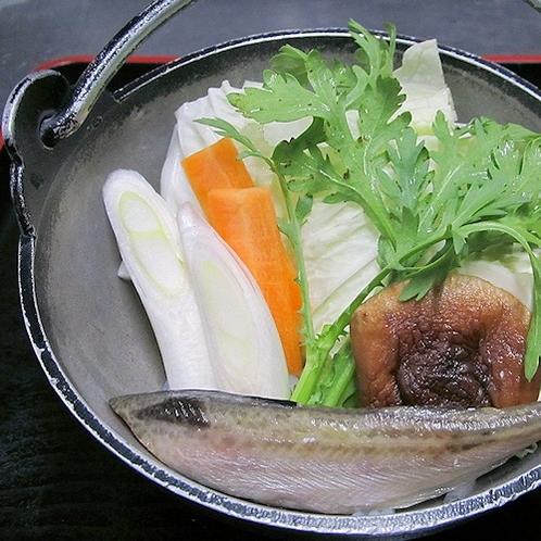 個性派鍋の代表各!【しょっつる鍋(塩魚汁鍋)】