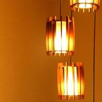 ほっとする雰囲気の照明インテリア。